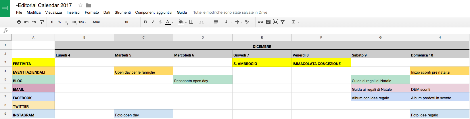 Template calendario editoriale a righe