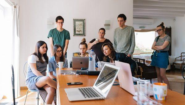 people watching laptop